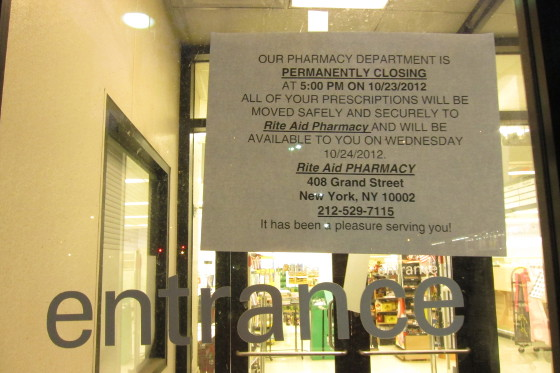 Closing sign of Pathmark pharmacy