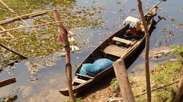 Long Boat along the Kamping Puoy Dam