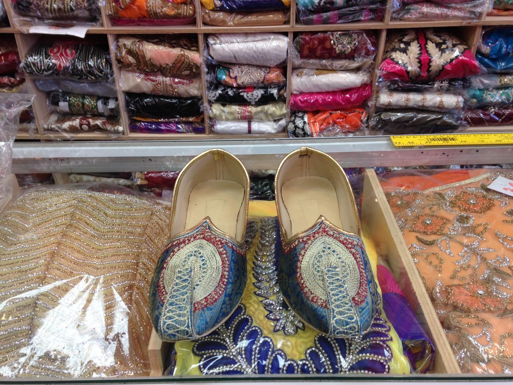 mojaris shop near me